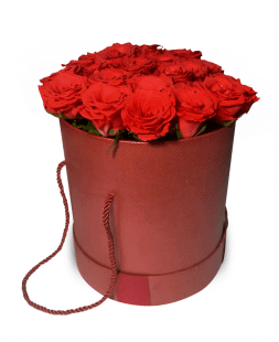 red roses in a hatbox