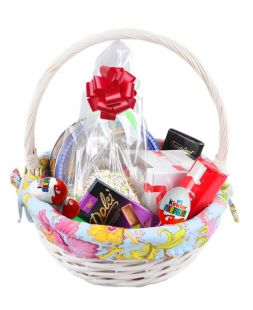 Easter basket with sweets