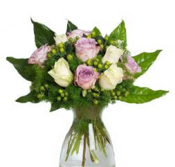 Bouquet of white and lilac roses