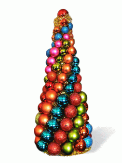 Christmas Tree of decorative balls