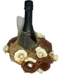 bouquet of sweets with champagne Veil
