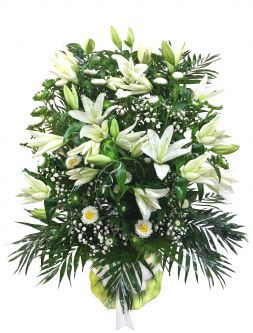 floral arrangement of white flowers