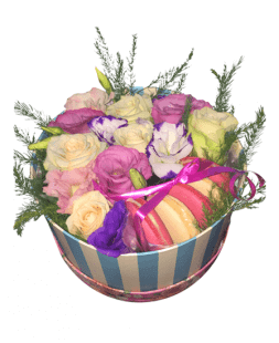 composition of roses, eustoma, macaroons