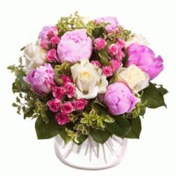 bouquet of white roses and pink piones