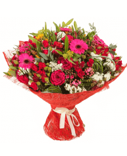 bouquet of roses, gerberas Spring News