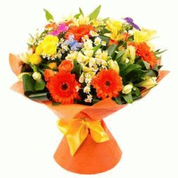 bouquet of spray roses and gerberas
