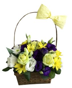 basket with chrysanthemums and eustomas
