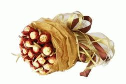 elegant bouquet of candies Creamy